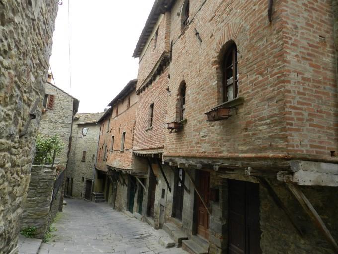 Srednjeveške hiške, ki so najstarejše v Italiji