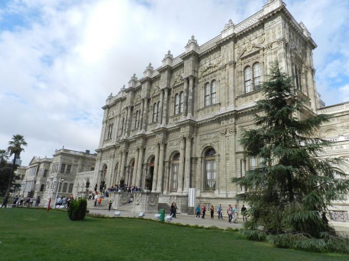 Palača Dolmabahče