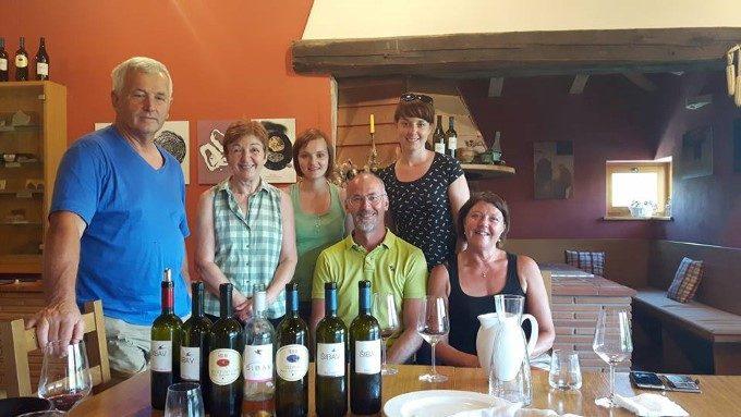 Pokušina različnih vin pri družini Šibav
