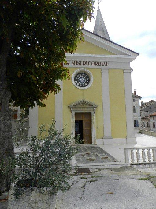 Cerkev Marije usmiljene, Buje